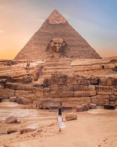 The Great Pyramids of Cairo, Egypt - Nathalie Aron Places To Travel, Places To Go, Travel Destinations, Great Pyramid Of Giza, Pyramids Of Giza, Egypt Travel, Africa Travel, Destination Voyage, Famous Places