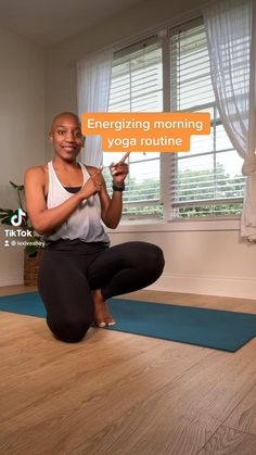 Click the link to follow along on Youtube at regular speed! Always groggy when you roll out of bed in the morning? This simple 8-minute yoga-inspired flow will wake your right up! Made with all levels in mind. Get ready to start your day refreshed! Asana Yoga Poses, Yoga Sequences, Beginner Yoga, Yoga For Beginners, Online Workout Videos, Morning Yoga Flow, Yoga Pictures, Yoga Workouts, Yoga Tips