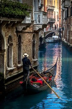 """The Mystique of Venice"" ~ Photography by Carlos Taborda - Double click on the…"