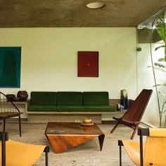 The São Paulo home of Julio Roberto Katinsky is a living, breathing masterpiece of Brazilian modernism: all curves, concrete and creeping vegetation. Simple Furniture, Furniture Making, Modern Furniture, Furniture Design, Best Interior Design, Interior Design Living Room, Loft, Home Decor Inspiration, Decoration