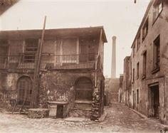 3, ruelle des reculettes, Paris By Eugène Atget ,1910