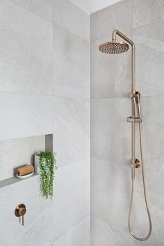 Meir's Round Champagne Shower Rail Set is the latest design to hit Australia. With the Shower head, this champagne shower set will amaze.