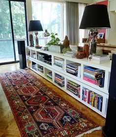 Versatile and stylish: Low bookcases for your home...