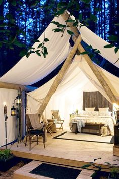 What is Glamping? {Fancy Camping} What is Glamping? Check out how camping can be like a home away from home with no tent! Easy glamping ideas to make camping enjoyable for those of you who are not a fan of tent camping.