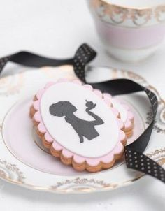 Pink Scalloped Silhouette Cookies