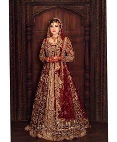 Image may contain: 1 person Pakistani Fashion Party Wear, Pakistani Wedding Outfits, Indian Bridal Outfits, Pakistani Wedding Dresses, Pakistani Dress Design, Pakistani Gharara, Bridal Mehndi Dresses, Asian Bridal Dresses, Muslim Wedding Dresses