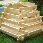 How To Make A Slot Together Pyramid Planter - Pflanzideen Raised Vegetable Gardens, Raised Garden Beds, Raised Bed, Diy Planters, Garden Planters, Outdoor Projects, Garden Projects, Diy Projects, Potager Palettes