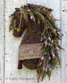 Exclusive ONE-OF-A-KIND wreath/wall hanging ma… - Best Equitation Horse Christmas Swags, Christmas Door Decorations, Christmas Crafts, Horse Head Wreath, Equestrian Decor, Horse Crafts, Primitive Christmas, Diy Arts And Crafts, Faux Flowers