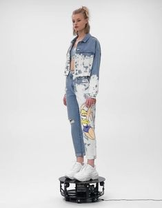 Jeans Balloon Fit Space Jam x Bershka - Jeans - Bershka España Bershka Collection, Denim Fashion, Fashion Outfits, Elisa Cavaletti, Abaya Designs, Fashion Jackson, Painted Clothes, Miami Fashion, Custom Clothes