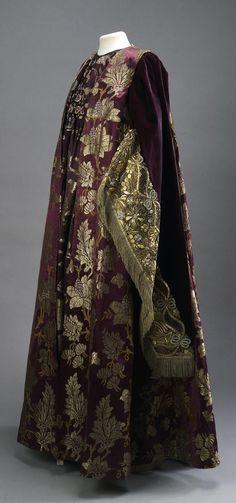 Masquerade Costume - Boyaryna's Dress of the 17th Century, St. Petersburg (?), Russia, 1903. Worn by Countess Natalia Fyodorovna Karlova, née Vonlyarskaya, to the Romanov Anniversary Ball in 1903. Velvet, silk, gold thread. State Hermitage Museum (link: https://www.hermitagemuseum.org/wps/portal/hermitage/digital-collection/12.+Costumes%2C+Uniform%2C+Accessories/1263462/?lng=en).