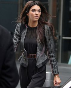 Believe you me.... a belt is an hourglass women's best friend. See here Kendall Jenner. She cinches the waist but also adds structure with that jacket with perfect hem