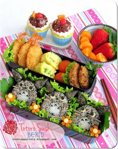 Totoro Sushi Bento by Cooking-Gallery, via Flickr