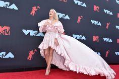 Ty nejlepší outfity z MTV Video Music Awards Mtv Video Music Award, Music Awards, Mtv Videos, Lenny Kravitz, Heidi Klum, Taylor Swift, Marc Jacobs, Zara, Ballet Skirt