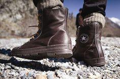 Cómo ponerse botas & botines: http://www.landoigelo.com.es/actualidad-and-variedades/videos-noticias-and-mas/moda-para-hombre-como-ponerse-botas-y-botines--8-maneras-.html