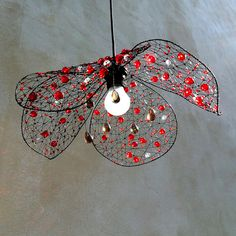 Paper Lampshade, Lampshades, Wire Crafts, Diy And Crafts, Chicken Wire Art, Diy Luminaire, Diy Chandelier, Diy Christmas Tree, Light Fittings
