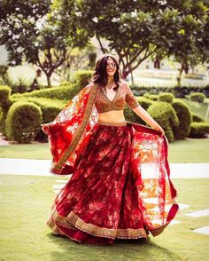 Find the most loved and trending bridal lehenga designs of Stunning bridal lehengas for this wedding season you must check out once. Indian Lehenga, Red Lehenga, Lehenga Choli, Bollywood Lehenga, Pakistani, Sarees, Lehenga Style, Bollywood Fashion, Floral Lehenga