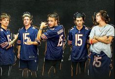 This is really funny because Harry is a Packers fan and he isn't wearing the jersey! One Direction 2015, One Direction Humor, One Direction Pictures, Foto One, One Direction Wallpaper, Harry Styles Photos, On The Road Again, Thing 1, 1d And 5sos