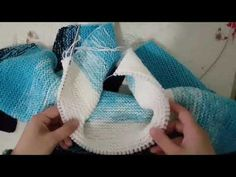 Baby Jumpsuit with a Hoodie - Making of Body Loom Knitting Projects, Knitting Videos, Knitting For Kids, Knitting Designs, Knitting Yarn, Baby Knitting, Crochet Projects, Crochet Baby Sweaters, Knitted Baby Cardigan