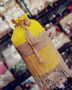 Bridal Clutch, Wedding Clutch, Wedding Bag, Dresses Kids Girl, Girls Bags, Diy Bags Purses, Purses And Handbags, Bridesmaid Bags, Potli Bags