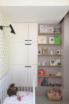 Une chambre de bébé très organisée