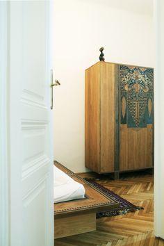 wardrobe, oak wood, painting by  www.szarobialo.pl . www.drewnoikamien,pl