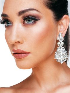 Romantic Dinners, Jewlery, Diamond Earrings, Board, Fashion, Neck Chain, Wristlets, Moda, Jewerly