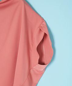 nota della mano sinistra/ドレープフレンチトップス|シャツ/ブラウス|アルカリ|メルローズ オンライン ストア Sewing Sleeves, Shirt Blouses, Shirts, Sleeve Designs, Fashion Outfits, Womens Fashion, Fashion Details, Capsule Wardrobe, Mini Skirts