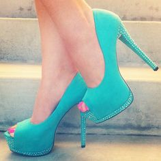 ::Mint condition:: woman's fashion, glamour, high heels, style, design, blue, teal, pumps, sparkle, diva