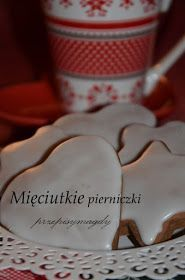 Przepisy Magdy: Mięciutkie pierniczki Christmas Cooking, Baking Tips, Toffee, Holidays And Events, Cookie Cutters, Gingerbread, Biscuits, Cake Pops, Good Food