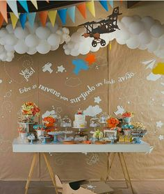 New baby shower decorations vintage travel party Ideas Planes Birthday, Planes Party, 1st Boy Birthday, 1st Birthday Parties, Airplane Baby Shower, Airplane Party, Baby Shower Themes, Baby Shower Decorations, Its A Boy Balloons