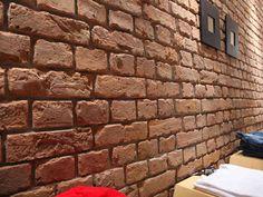 Panel Piedra presenta su modelo Old British Brick I Ladrillo Viejo Ingles Brick Veneer Panels, Faux Brick Wall Panels, Fake Brick Wall, Brick Wall Paneling, Faux Stone Panels, Brick Siding, Faux Walls, Decorative Wall Panels, Stone Siding