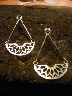 Silver Handmade Long Earrings de AfaJewelry en Etsy                                                                                                                                                                                 Más