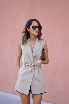 Reworking this DKNY vest fab found at Marshalls for date night. Classic style, sleeveless trench, khaki vest, spring style