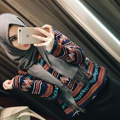 Uploaded by Unknown Hijabi. Find images and videos about fashion, islam and hijab on We Heart It - the app to get lost in what you love. Islamic Fashion, Muslim Fashion, Modest Fashion, Fashion Outfits, Fashion Muslimah, Abaya Fashion, Hijabi Girl, Girl Hijab, Hijab Outfit