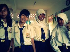 @R_Octaviani #me #anisa @AnnisaOcta_ #inclass #pmtime #smile