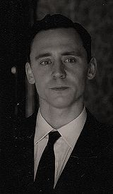 {(gif)His tears and smile are so adorable I just want to cry with him.} someday I will be able to act as well as Tom Hiddleston Thomas William Hiddleston, Tom Hiddleston Loki, Dragons Tumblr, Univers Marvel, My Tom, Marvel Actors, Chris Hemsworth, Westminster, Perfect Man