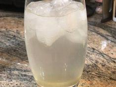 Sparkling λεμονάδα με λικέρ μαστίχας Glass Of Milk, Drinks, Food, Beverages, Hoods, Meals, Drink, Beverage, Drinking