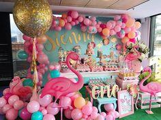 Flamingos Decor  @makeitmagic_eventos -  FLAMINGO PARTY  para Sienna!  felicidad total con este resultado!! #festaflamingo #flamingoparty #fiestasinfantilesbogota Y gracias a @sempertex por brindarnos los mejores globos!!! - #amaislindafesta #festalinda #decoracaoinfantil #aniversariodecrianca #party #festainfantil #kidsparties #party #miniparty #minitable #festatropical #tropicalparty #party #flamingos #flamingosparty