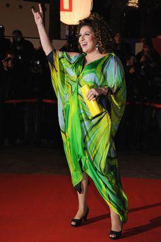 Marianne James, une femme ronde qui sait se mettre en valeur avec style! // Curvy French singer Marianne James sure knows how to sublimate her curves http://www.ma-grande-taille.com/adoptez-le-look-marianne-james-quelques-astuces-pour-copier-son-style-65995