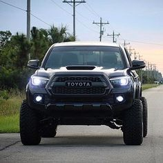 Everything Toyota's: Featuring 👉🏻 ___________________________ . Lifted Tacoma, Toyota Tacoma 4x4, Tacoma Truck, Toyota Hilux, Toyota Tundra, Toyota Trucks, Lifted Ford Trucks, Toyota Lift, 1979 Ford Truck