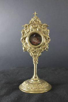 Reliquary containing a relic of Saint Rita of Cascia