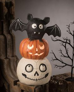 Halloween Totem Pole by Bethany Lowe at Neiman Marcus Spooky Halloween Decorations, Halloween Home Decor, Halloween Skull, Halloween House, Scary Halloween, Halloween Pumpkins, Fall Halloween, Halloween 2020, Halloween Clay