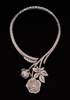 Paeonia necklace by Van Cleef & Arpels. | More here: http://mylusciouslife.com/photo-galleries/bling-fling/