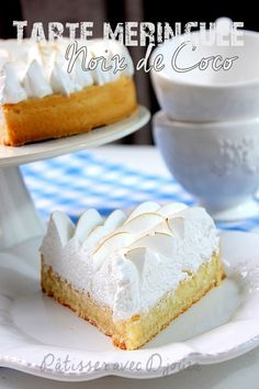 Italian meringue pie with coconut Dessert Cake Recipes, Mini Desserts, Dessert Bars, Christmas Desserts, Christmas Baking, Delicious Desserts, Apple Snacks, Apple Recipes, Coconut Flour Desserts