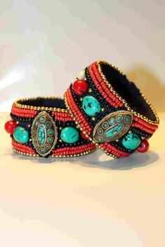 Pulseras étnicas con2takones. www.con2takones.com Turquoise Bracelet, Beaded Bracelets, Jewelry, Fashion, Bangles, Moda, Jewlery, Jewerly, Fashion Styles