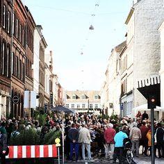 Opera i #NyVestergade er lidt af et tilløbsstykke! #DenFynskeOpera #TeaterMomentum @hcafestivals #hcafestivals #odense #mitodense #thisisodense www.thisisodense.dk/15206/lokalomraademix