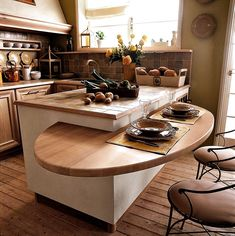 Trendy kitchen remodel split level home cabinets Ideas Home Decor Kitchen, Kitchen Living, Diy Kitchen, Home Kitchens, Kitchen Storage, Modern Kitchen Design, Interior Design Kitchen, Clever Kitchen Ideas, Space Saving Kitchen