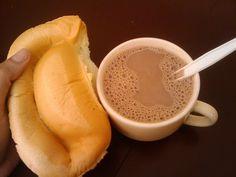 desayuno pan sobao con cafe con leche