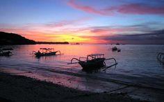 La isla se encuentra rodeada por arrecifes de coral. Las playas en el sur son de arena blanca mientras que las del norte son de arena negra. #Bali #BestDay #OjalaEstuvierasAqui