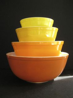 Pyrex Red Beaded Edge Nested Mixing Bowl 403 2 ½ Qt | Vintage pyrex ...